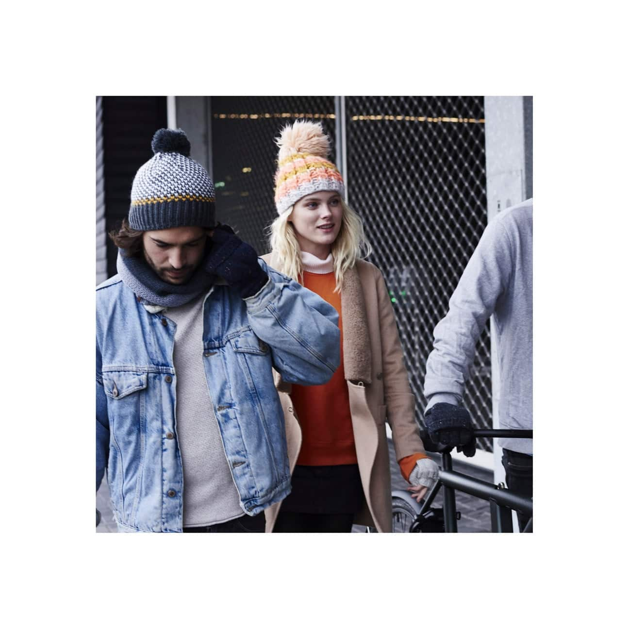 3b94749fcf5e4 Feather Beanie by Barts 360° View